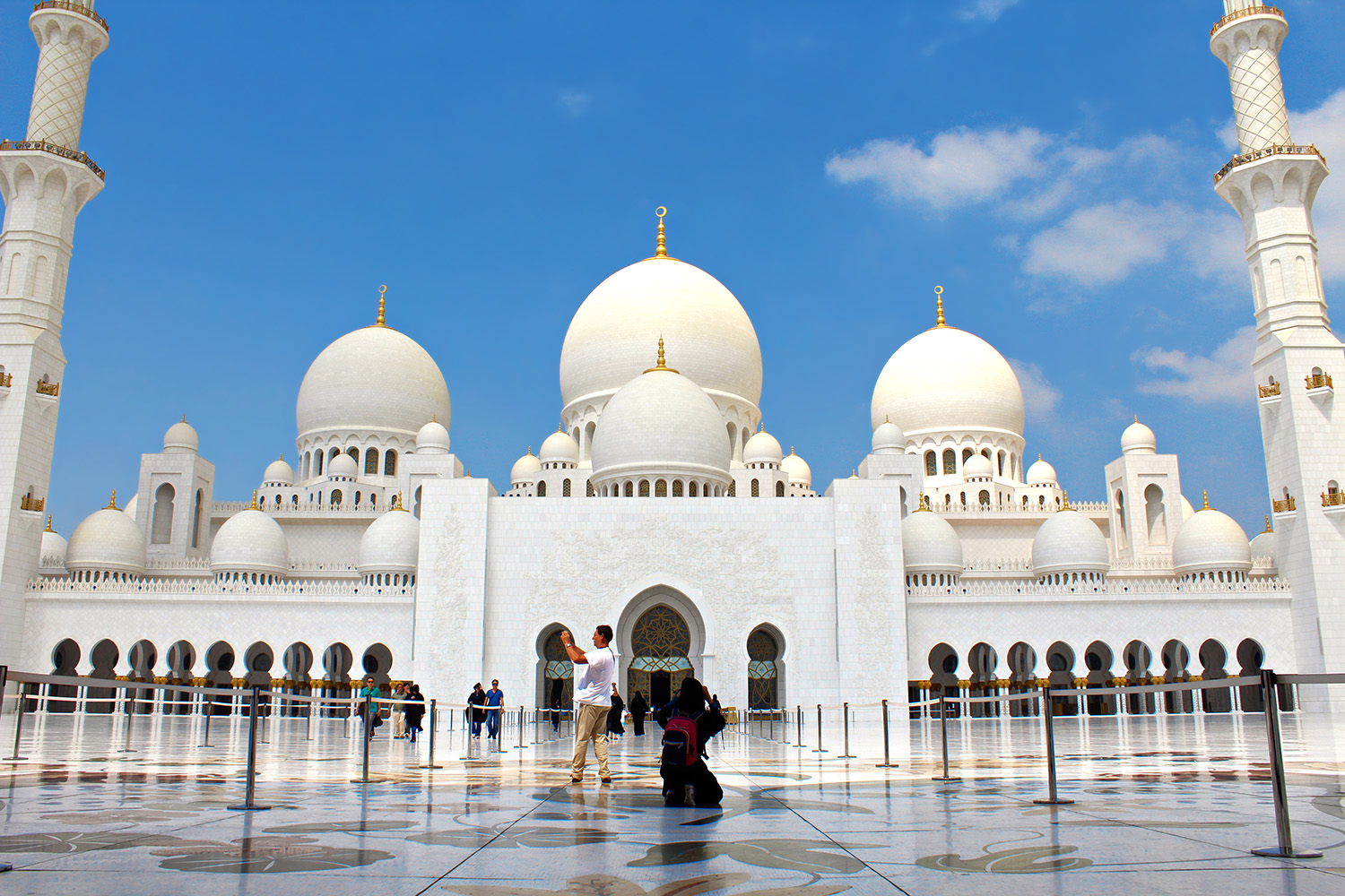 The Sheikh Zayed Mosque In Abu Dhabi Green And Turquoise