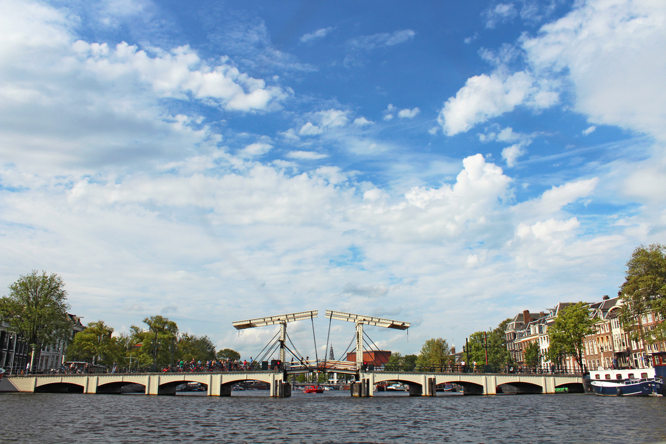 "canals of amsterdam Magere Brug ""skinny bridge"""