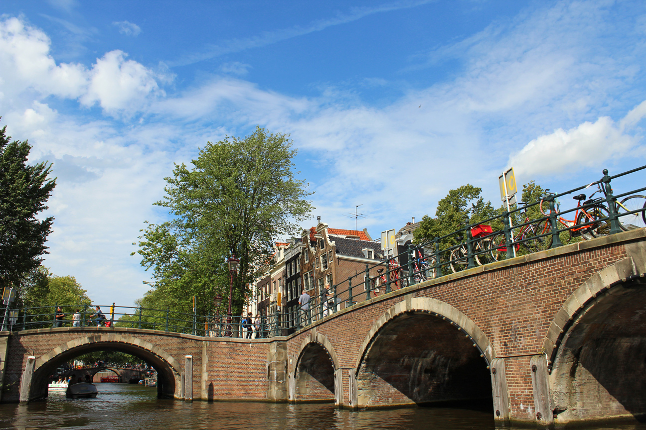 Canals-of-Amsterdam-4
