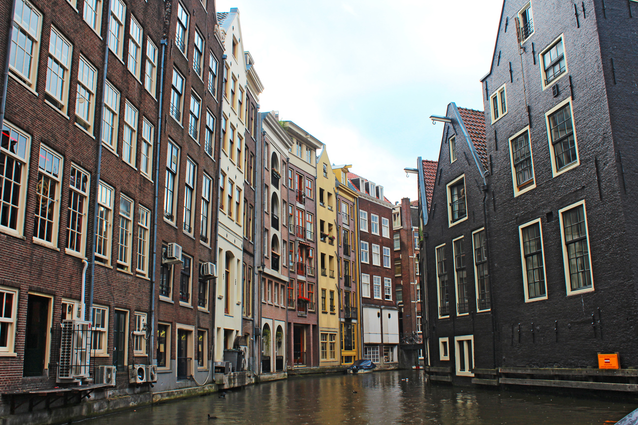 Canals-of-Amsterdam-9