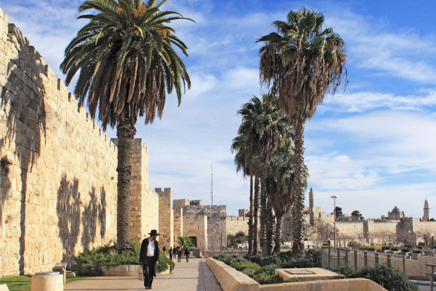 Things-to-know-before-visiting-israel-tips