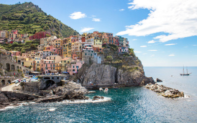 "HOW TO ""DO"" CINQUE TERRE IN 3 DAYS: GUIDE & ITINERARY"