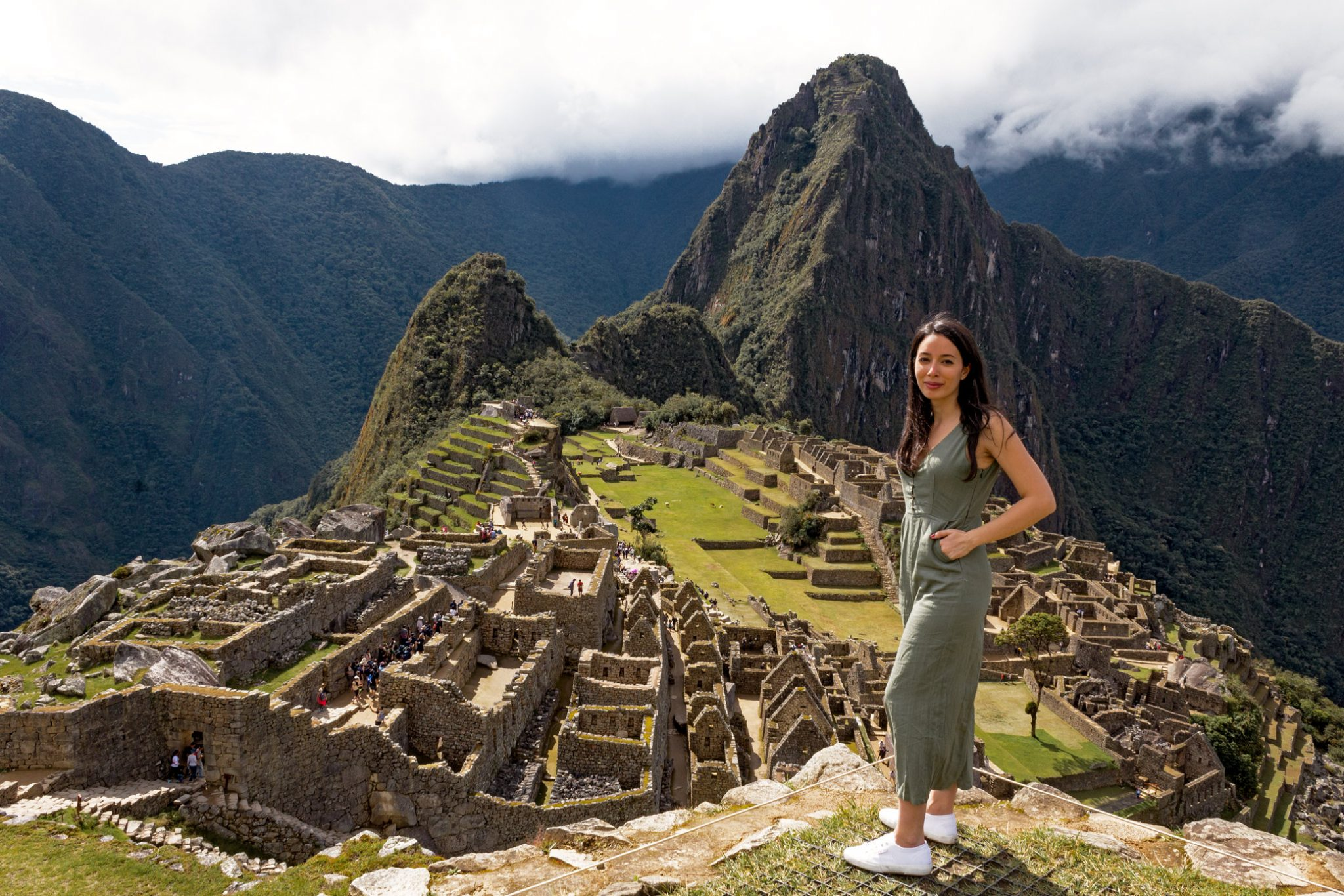 visit machu picchu outfit girl instagram
