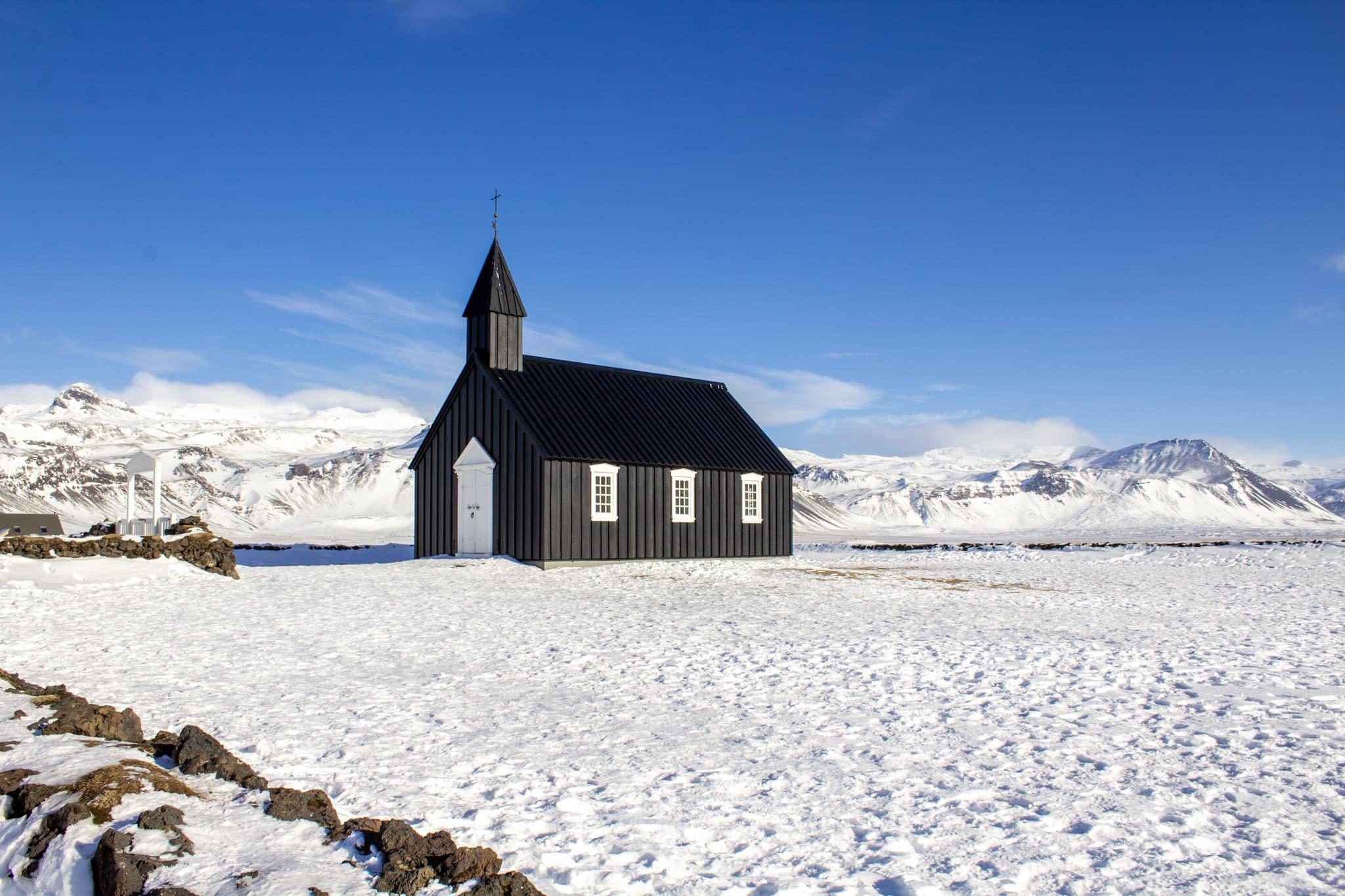 iceland black church budir 7 day itinerary