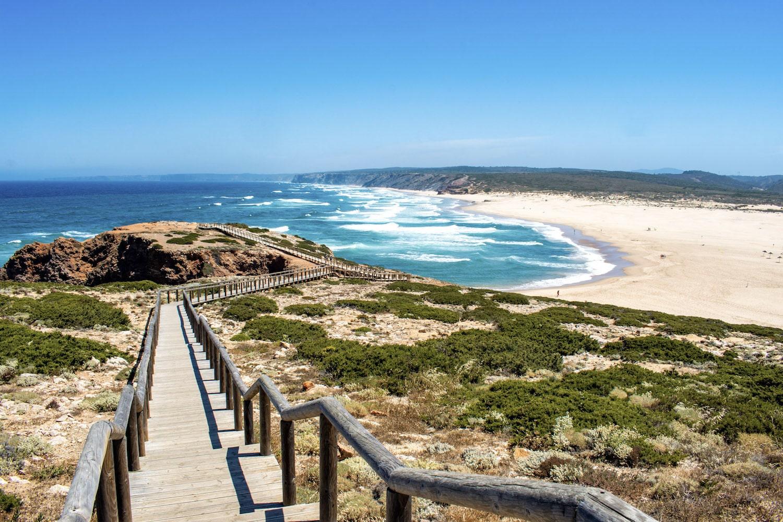 praia bordeira beach
